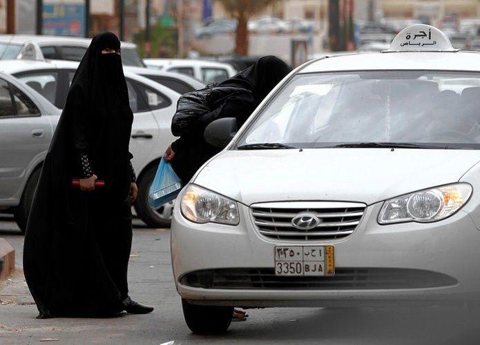 كرت التشغيل.. مخالفة جديدة تقصم ظهر سيارات الأجرة بالسعودية