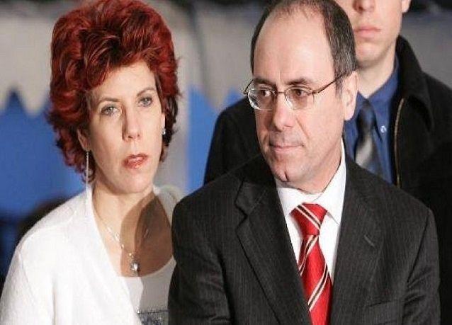 """""""مزحة غبية"""" لزوجة وزير الداخلية الإسرائيلي مع أوباما"""