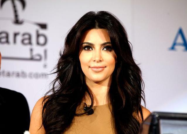 بالصور: كيم كارداشيان تذهل معجبيها في دبي