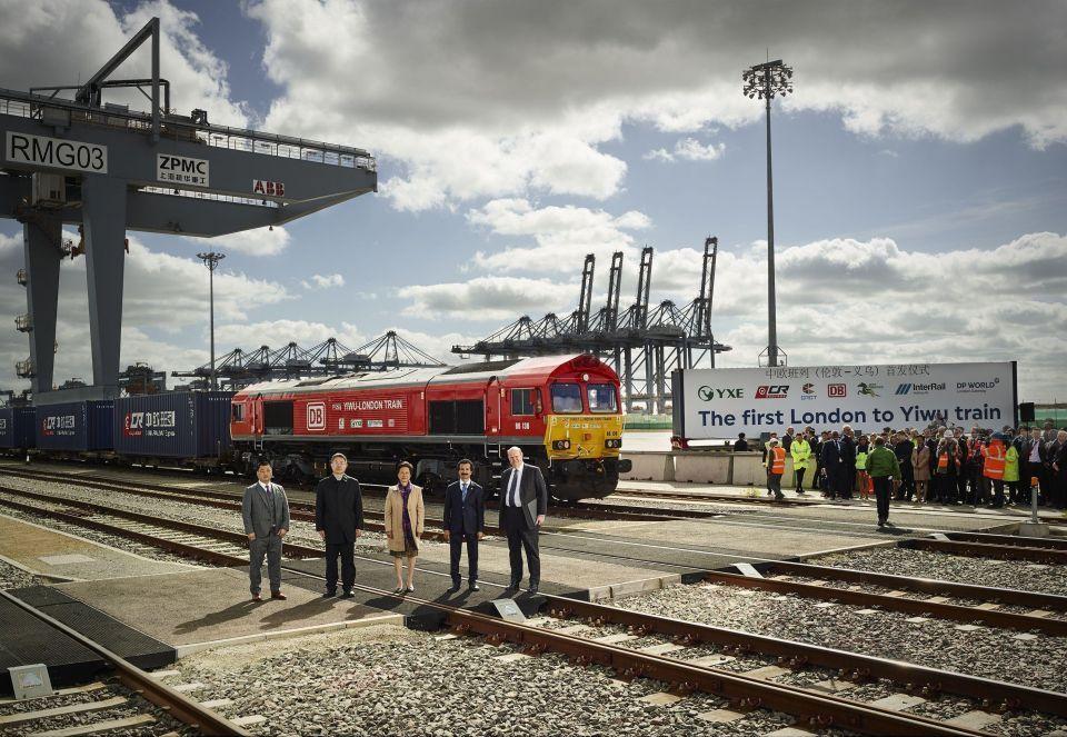 إنطلاق أول قطار تصدير من بريطانيا إلى الصين