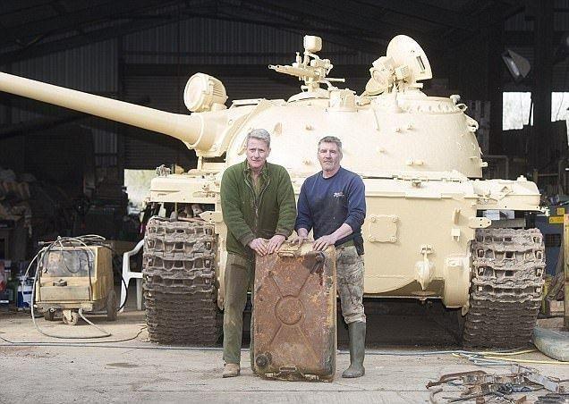 بريطاني يعثر على سبائك ذهبية داخل دبابة عراقية
