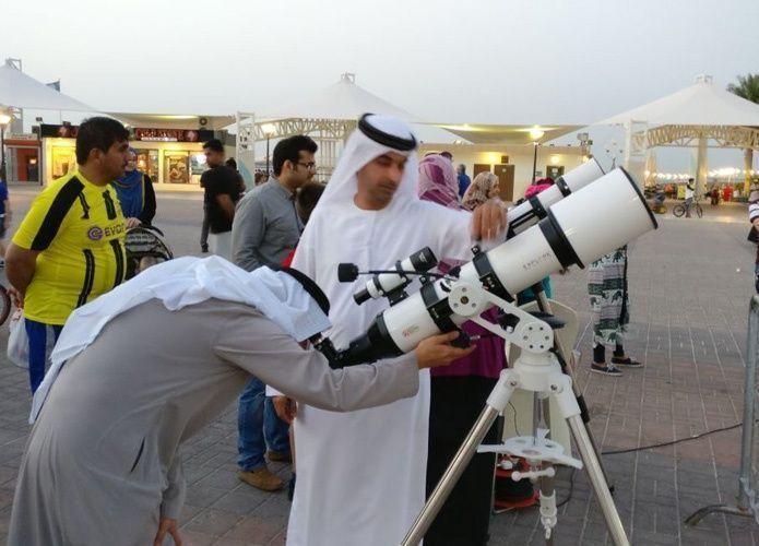 """""""الإمارات للفضاء"""" ترصد """"المشتري"""" على كورنيش أبوظبي"""