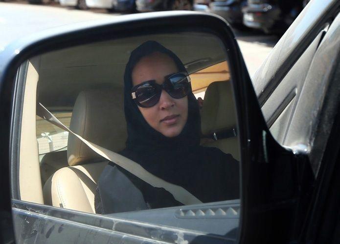 المرور السعودي: غير مسموح للمرأة بالقيادة بأي رخصة من العالم