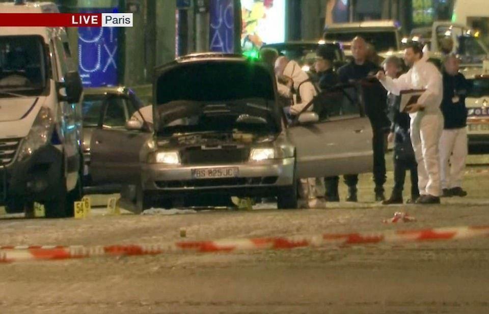 تحديد هوية المسلح في هجوم باريس الذي قتل فيه شرطي وأصيب اثنان
