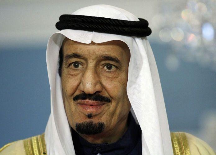 السعودية تخفض عجز الميزانية وتبسط يدها في إنفاق 2017