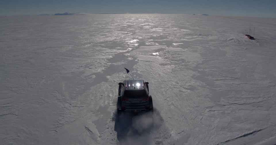 حفيد مستكشف بريطاني شهير يقهر القطب الجنوبي بهيونداي سنتافي