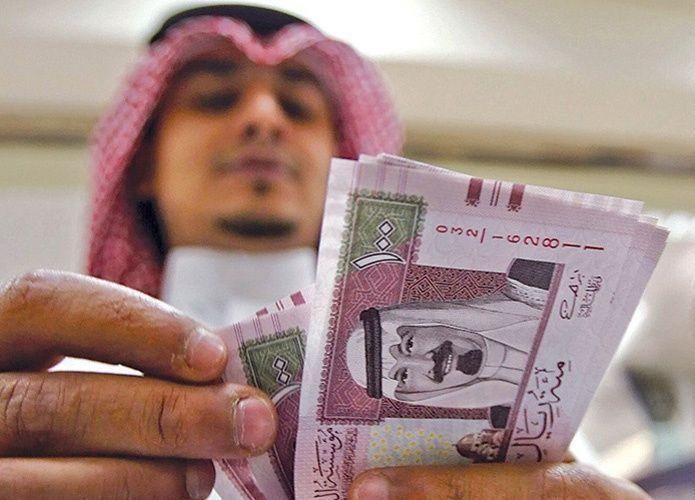 صحيفة سعودية: تأخر تطبيق الضريبة على التبغ والمشروبات