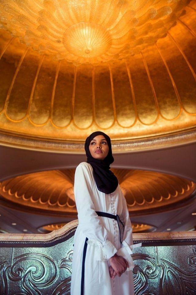 عارضة الأزياء حليمة عدن تزور أبوظبي مع إطلاق الاتحاد للطيران برنامج سفر خاص لقطاع الموضة
