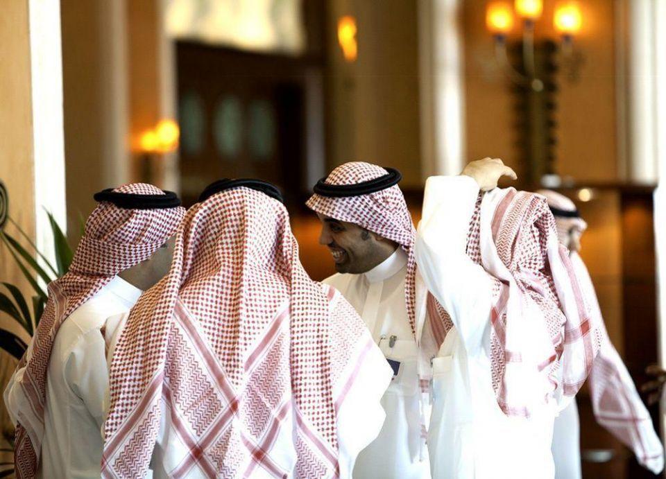 السعودية: النظام يجيز فصل الموظفين الحكوميين المعينين بالواسطة