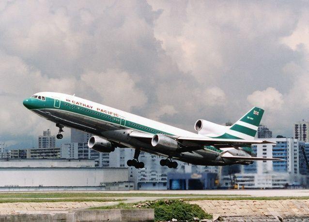 أربعة عقود على إطلاق أولى رحلات كاثي باسيفيك الجوية إلى الإمارات