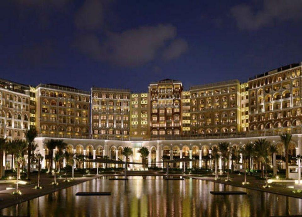 أبوظبي تتصدر الوجهات السياحية في الإمارات