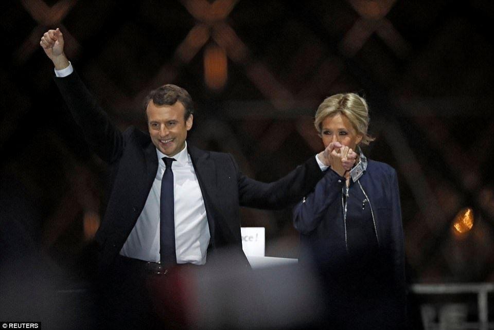 ماكرون رئيسا لفرنسا واليورو يرتفع بفوزه