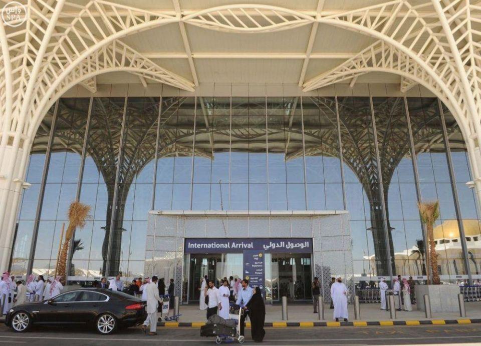 وزارة العمل وشركة طيبة تنفيان فصل 200 موظف سعودي بمطار المدينة