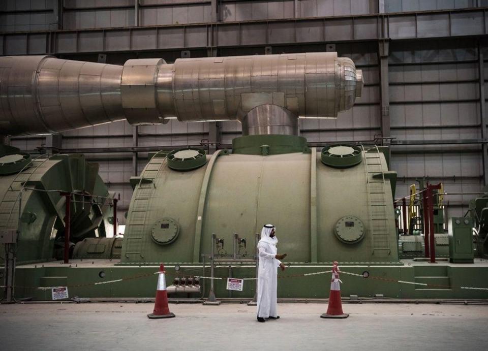 السعودية تتوقع تمديد اتفاق خفض إنتاج النفط