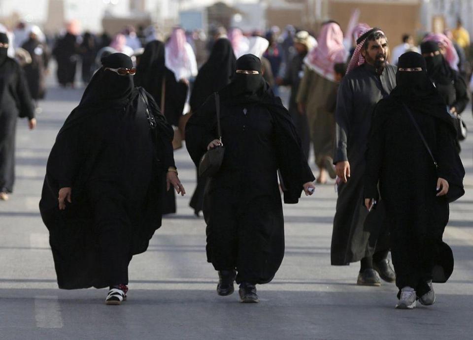ارتفاع حدة الامتعاض من توظيف الأقارب في السعودية