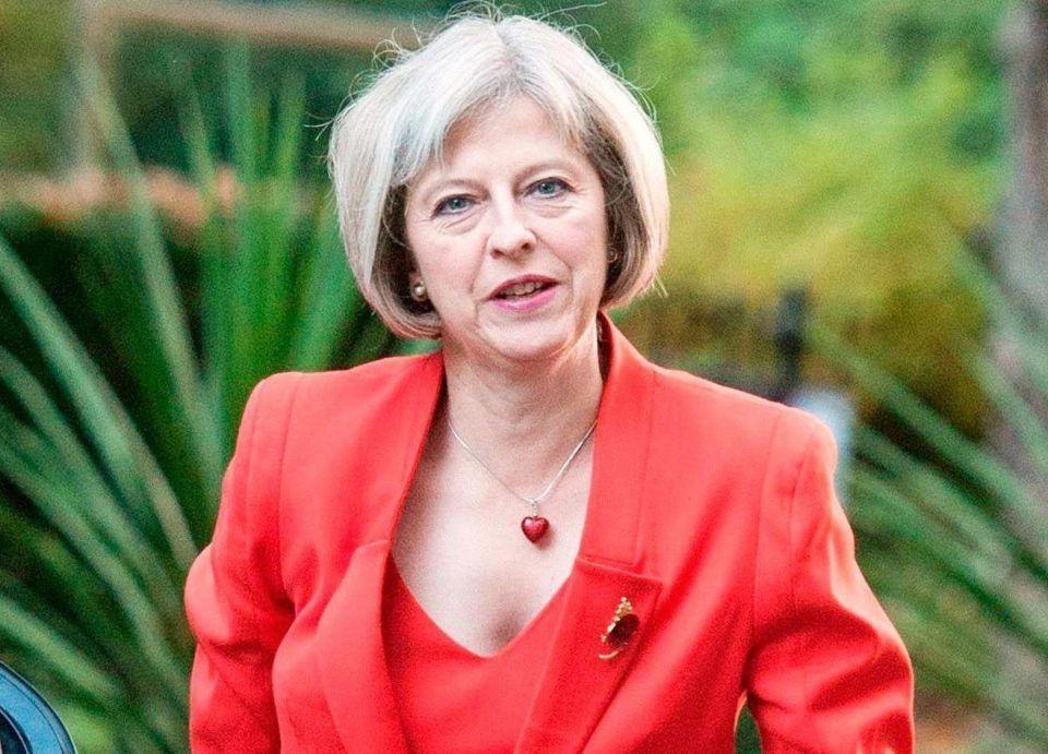 بريطانيا ترفع مستوى التهديد الإرهابي وتنشر جنودا لدعم الشرطة