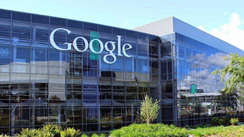 كيف يتتبعك غوغل بدون إنترنت لبيع  تفاصيل مشترياتك