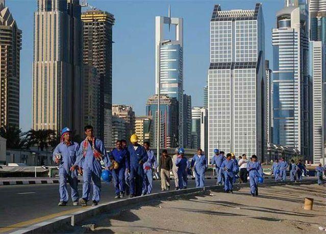 الإمارات: حظر العمل وقت الظهيرة ساعتين ونصف يوميا من 15 يونيو وحتى 15 سبتمبر