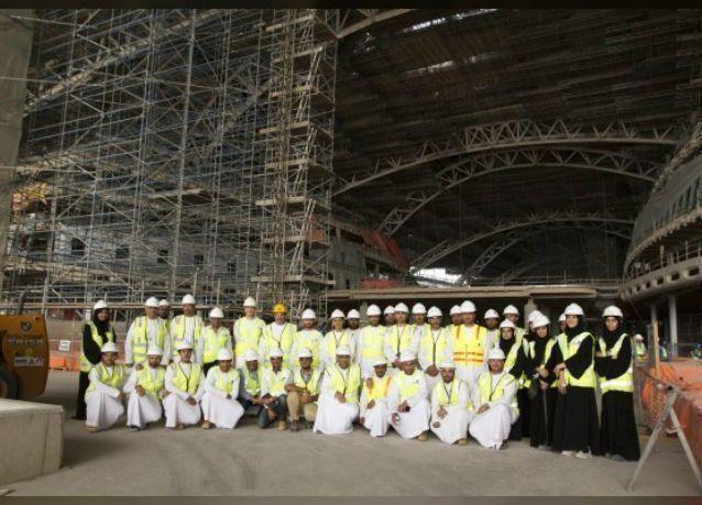 مطارات أبوظبي تضم 19 خريجا إلى فريق عمل جاهزية العمليات