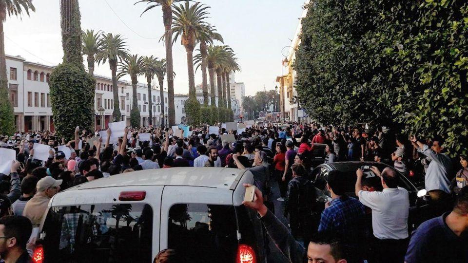 المغرب: اتهام إيران بالوقوف وراء احتجاجات واسعة