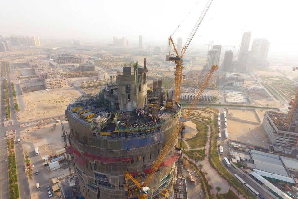 سكاي القابضة تكمل 40% من فايسروي دبي قرية جميرا