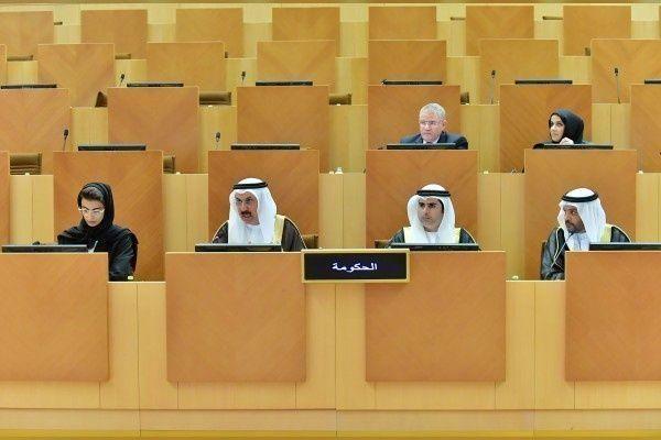 الإمارات تقر قانون العمالة المساعدة وتحدد 12 ساعة عمل 6 أيام في الأسبوع