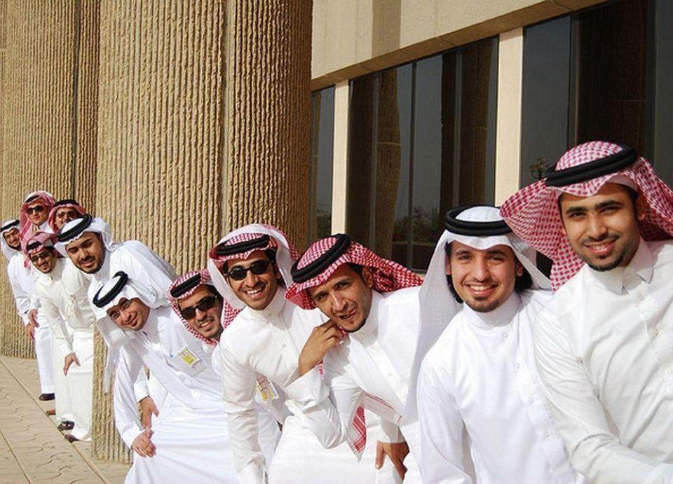 192 سعودياً يغادرون سوق العمل يومياً