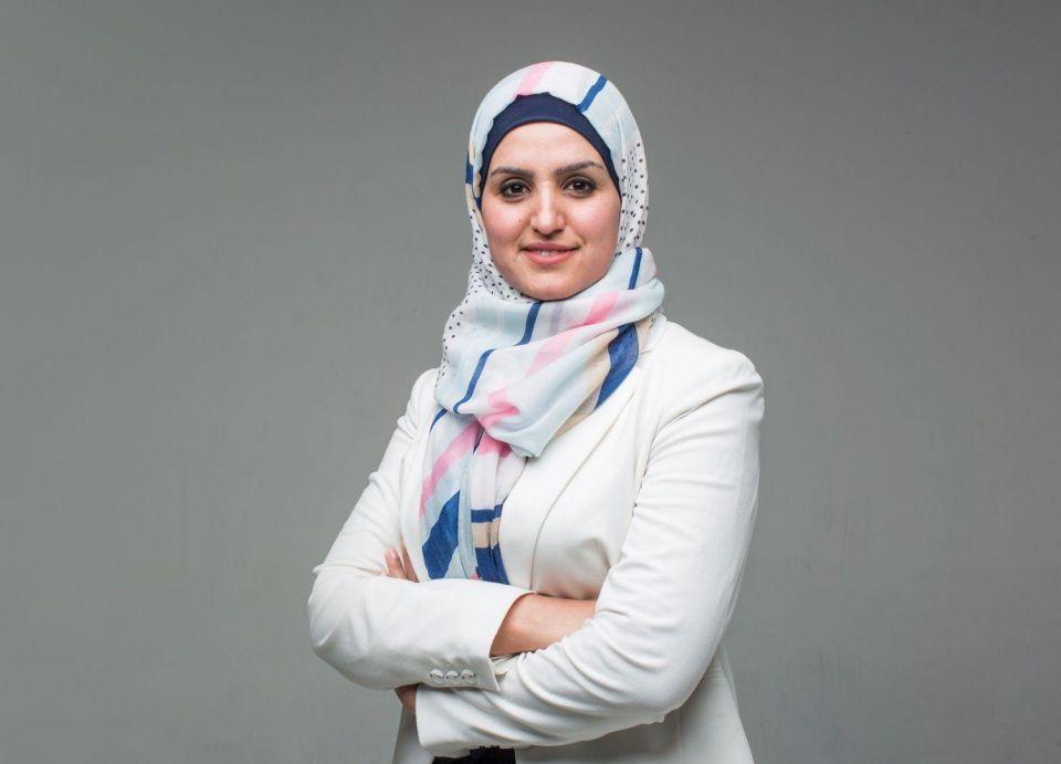زرقاء اليمامة الفلسطينية: عبير أبو غيث
