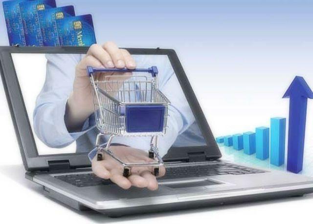 """النساء تستحوذ على 55.8 % من رخص """"التاجر الإلكتروني"""" بالإمارات"""