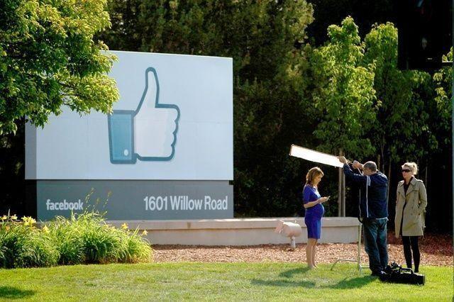 """سويسرا تحكم بالسجن والغرامة على شاب ضغط """"إعجاب"""" على مادة مسيئة في فيسبوك"""