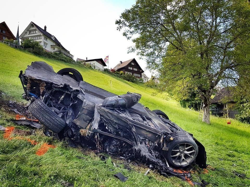 نجاة مقدم «توب جير» السابق من الموت بعد تحطيمه سيارة سعرها مليوني جنيه