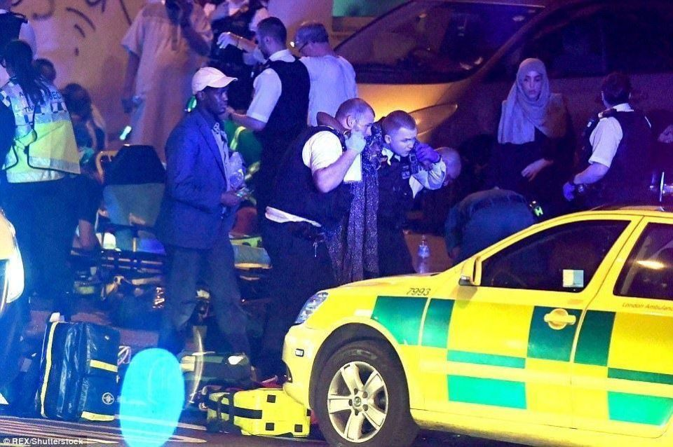 لندن: شاحنة تدهس مصلين وتقتل وتصيب 15 منهم