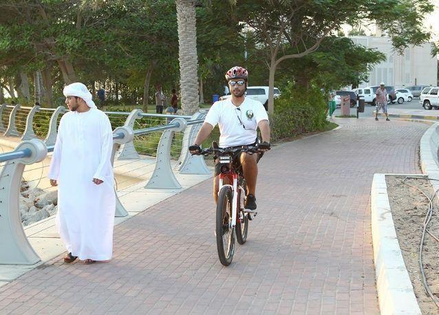 دوريات الدراجات الهوائية بشرطة أبوظبي تعزز السلامة