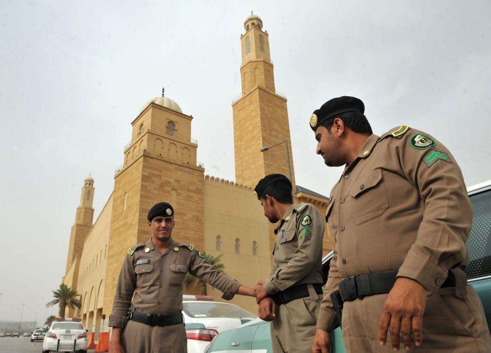 أطفال في السعودية وباعة المفرقعات يتجاهلون الـ5 آلاف ريال والتحذيرات