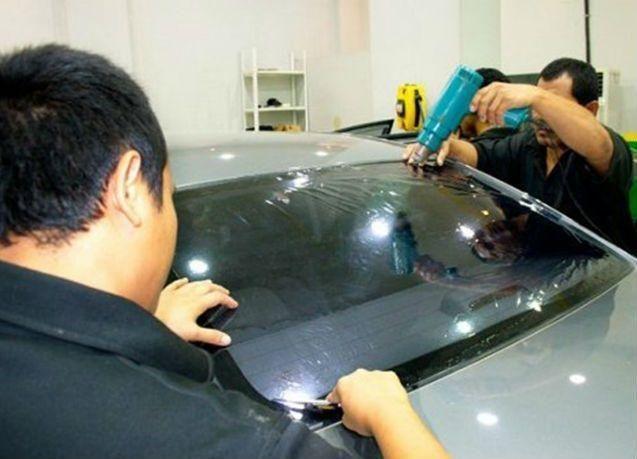 السماح بتظليل زجاج السيارات بنسبة 50% في الإمارات
