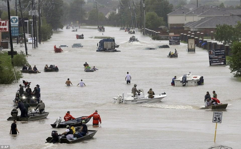 بالصور فيضانات كارثية في تكساس  وولايات أمريكية أخرى