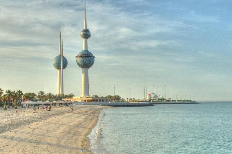 الكويت: خطة للاستغناء عن 85 ألف وافد بالقطاع الخاص