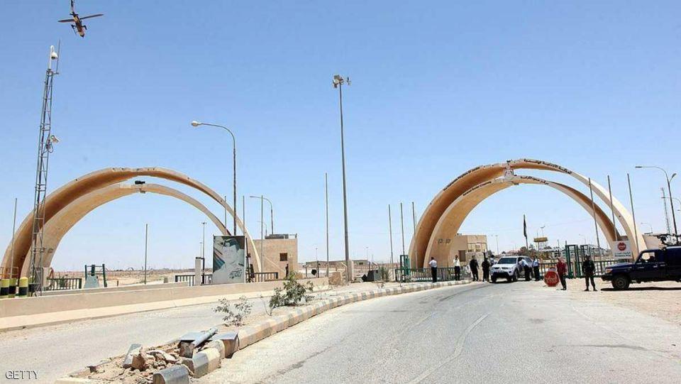 الأردن يفتح معبره الرئيسي مع العراق للمرة الأولى منذ 2015