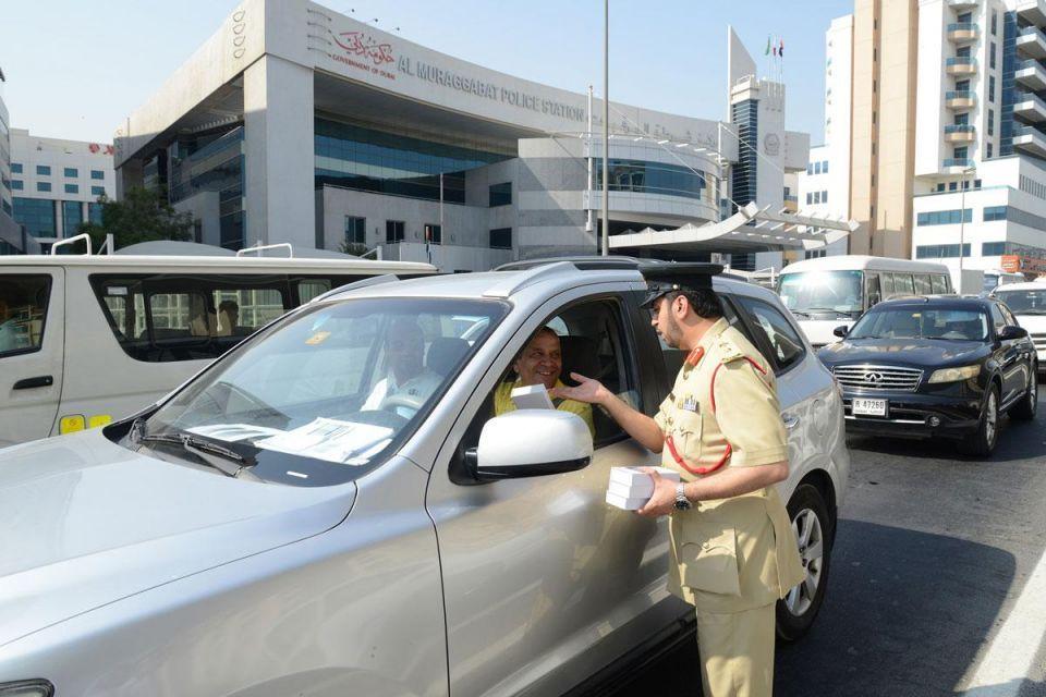 دبي: 13 ألف مخالفة للوقوف على الرصيف خلال النصف الأول من العام