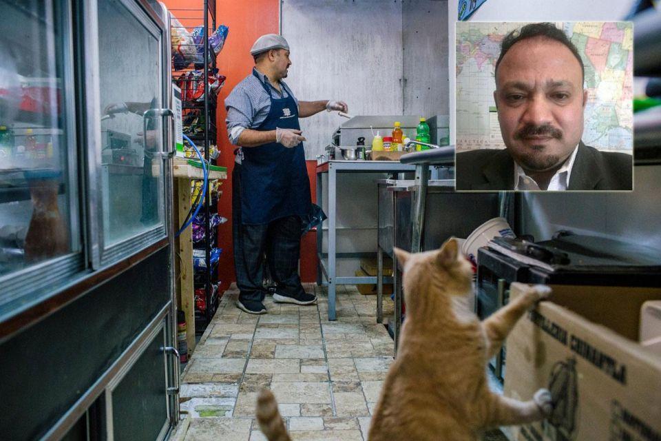 بائع ساندويتشات ينتحل صفة محلل سياسي على القنوات المصرية والعربية