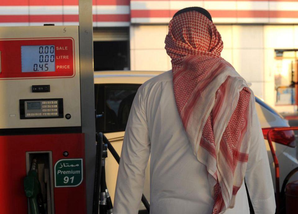 المواطنون والمقيمون يترقبون رفع أسعار البنزين في السعودية