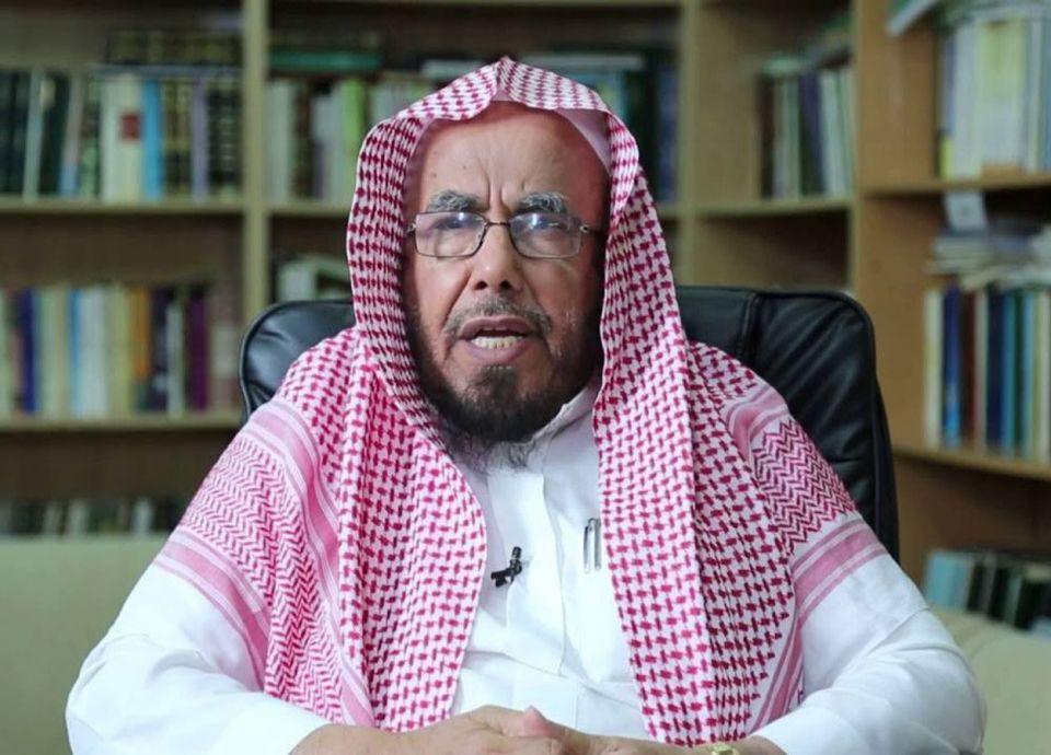 رجل دين سعودي يطالب العاطلين بعدم انتظار الوظائف وينصحهم بالأعمال الحرة