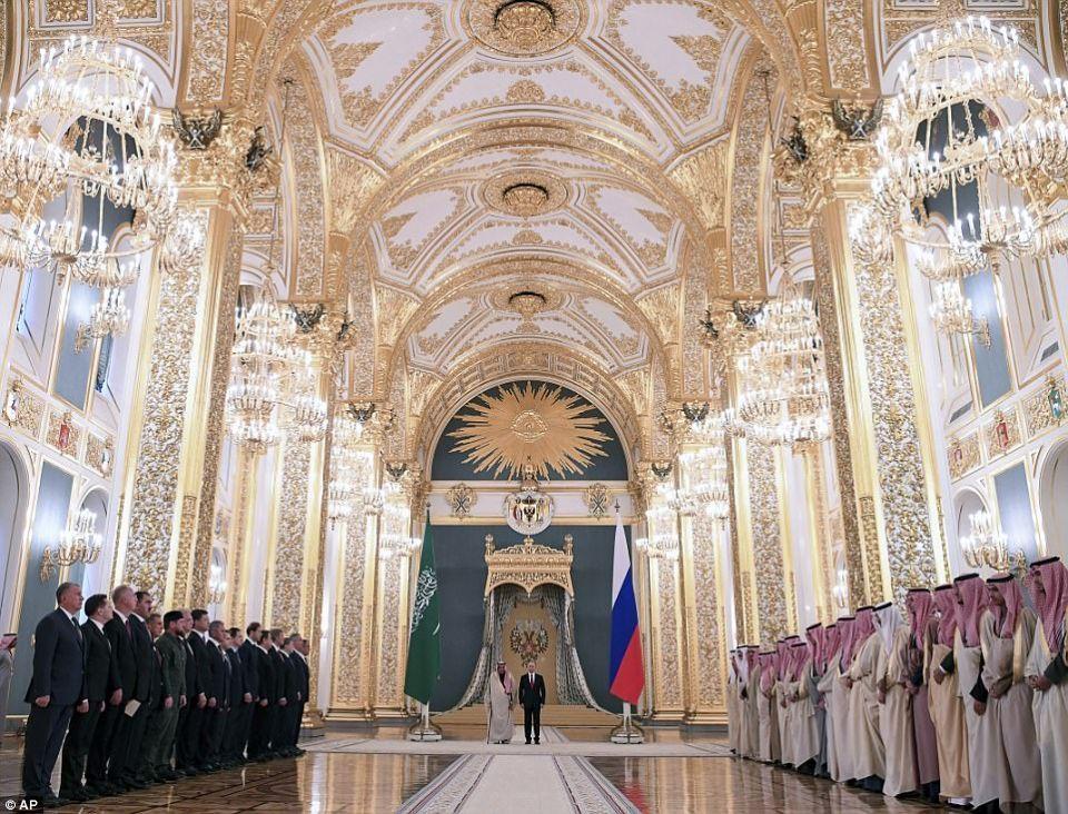 شاهد  لقطات لزيارة الملك سلمان لروسيا