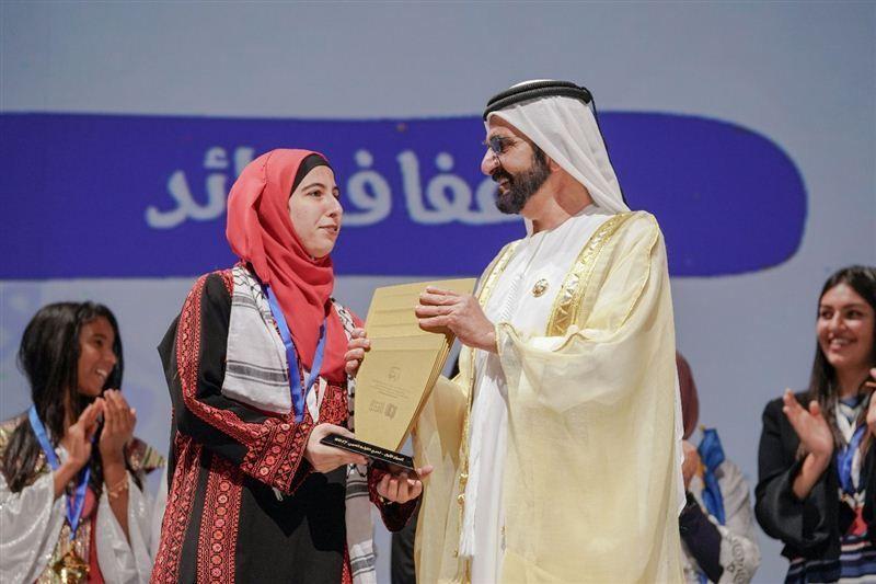 محمد بن راشد يتوج أبطال تحدي القراءة العربي