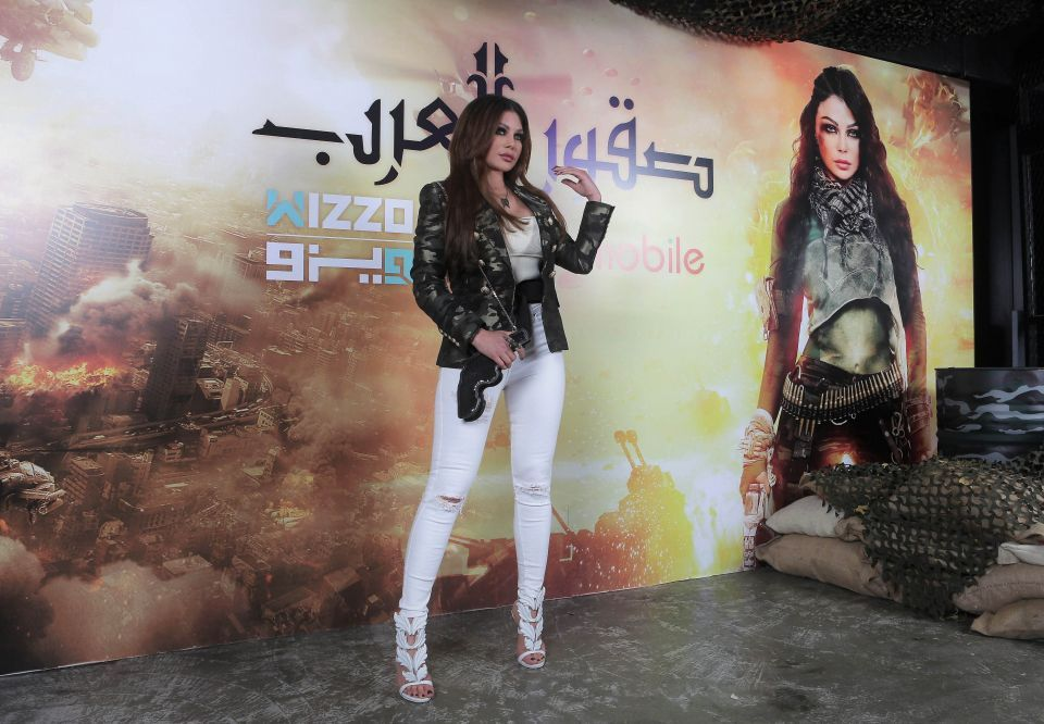 """هيفاء وهبي تتألق بلباس المحارب في """"صقور العرب"""""""