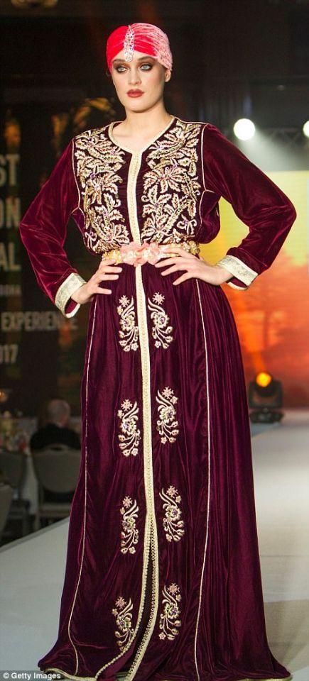 شاهدي الأناقة في عرض أزياء للمحجبات في لندن وقريبا في دبي