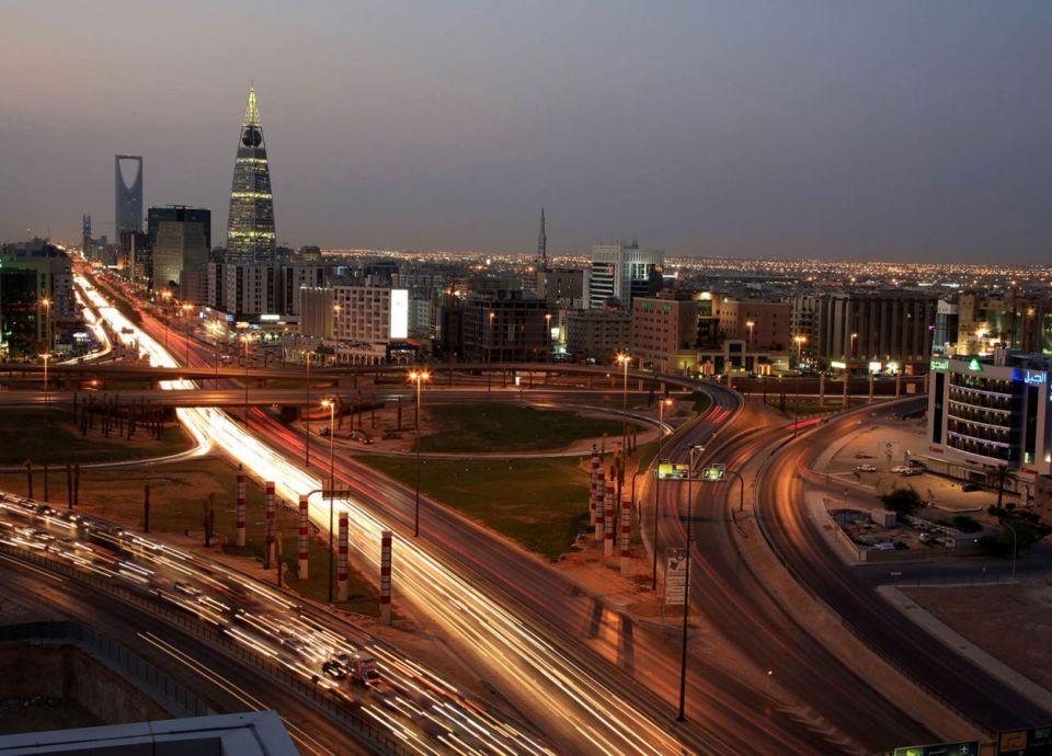 أشهر وكالة تصنيف ائتماني في العالم تبدأ العمل بالسعودية
