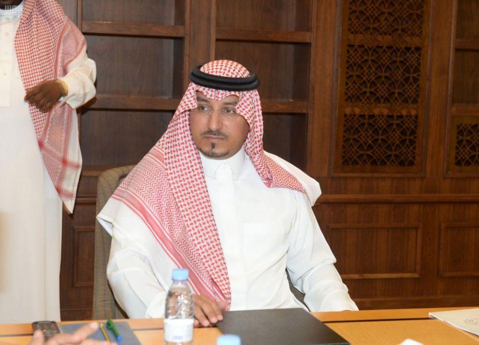 من هو الأمير منصور بن مقرن؟