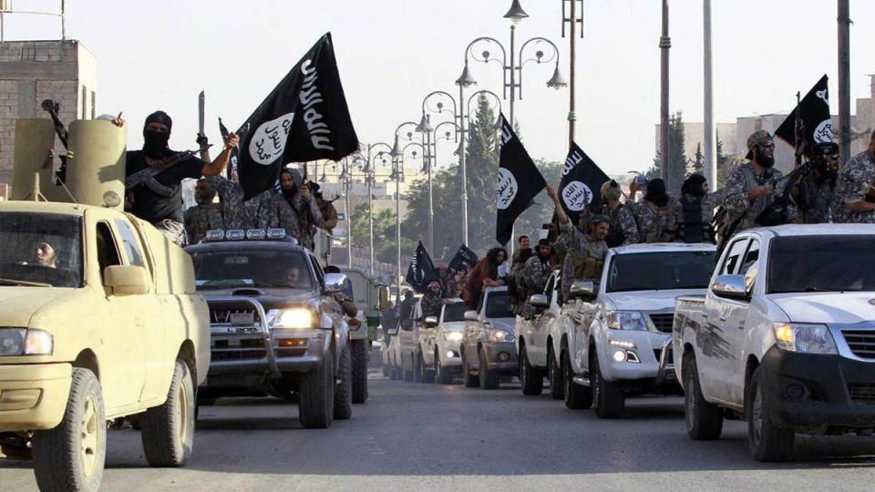 الإمارات تحذر من مقاتلي داعش الهاربين من مدينة الرقة