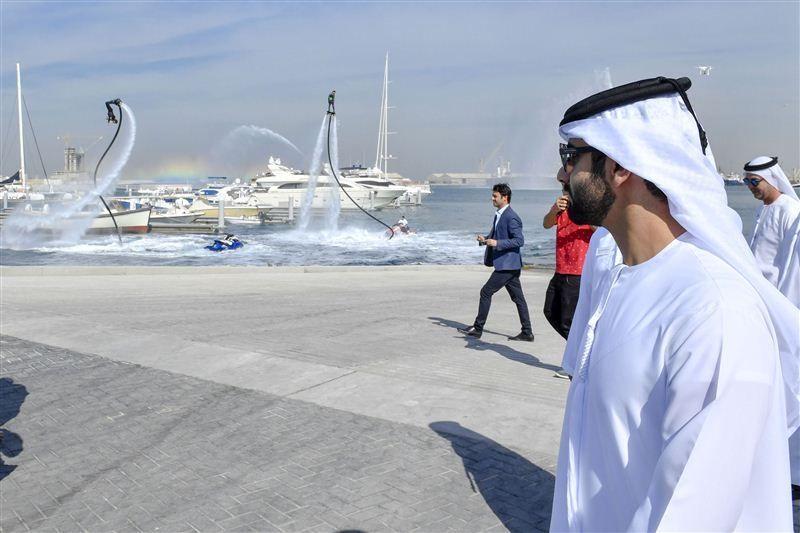 منصور بن محمد يفتتح مراسي ميناء راشد
